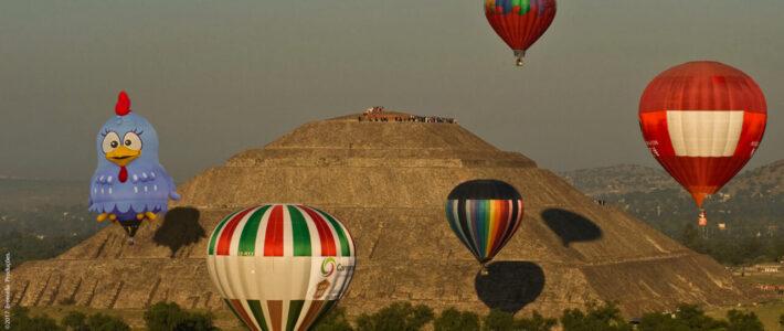 Balão da Galinha Pintadinha Participa do Primeiro Festival de Teotihuacan